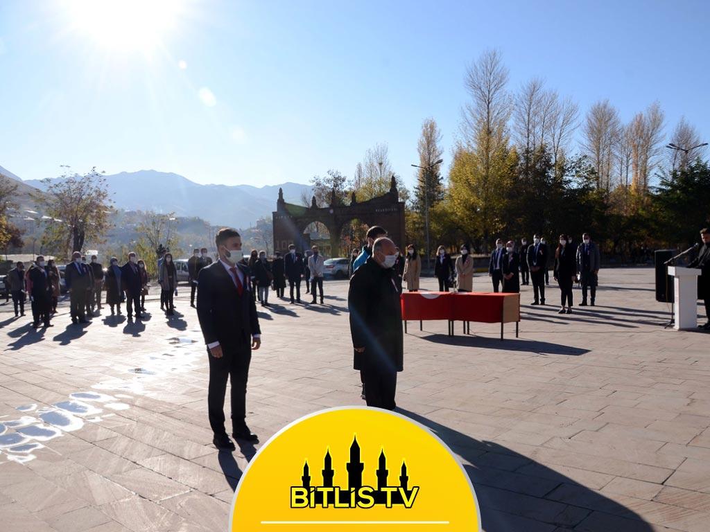 Van, Hakkari, Bitlis ve Muş'ta Öğretmenler Günü Kutlandı