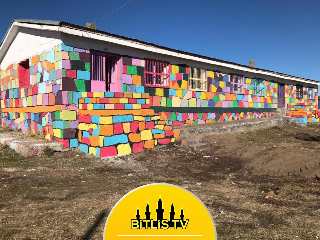 Renkli Rüyalar 45 Yıllık Okul Binasını Eğitime Kazandırdılar