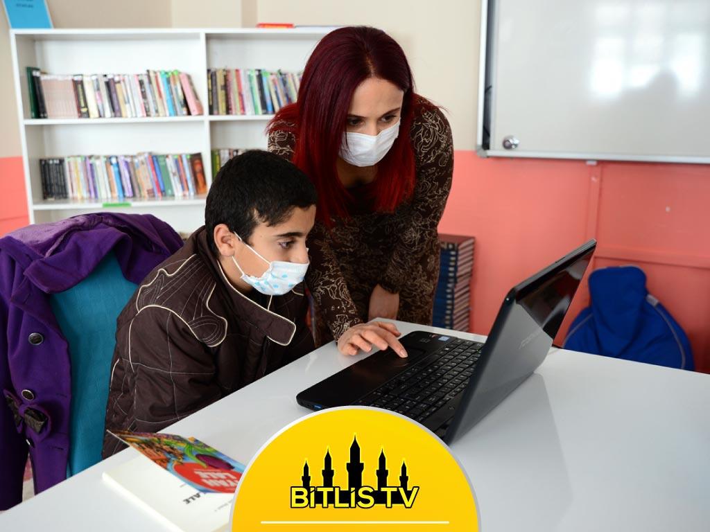 Eğitim Neferleri, Öğrencilerin Canlı Derslere Katılmalarını Sağlıyor